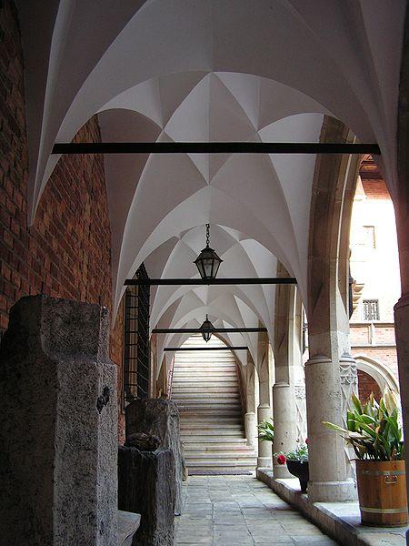 Gotiska korsgången och s. k. professortrappsteg i Collegium Maius