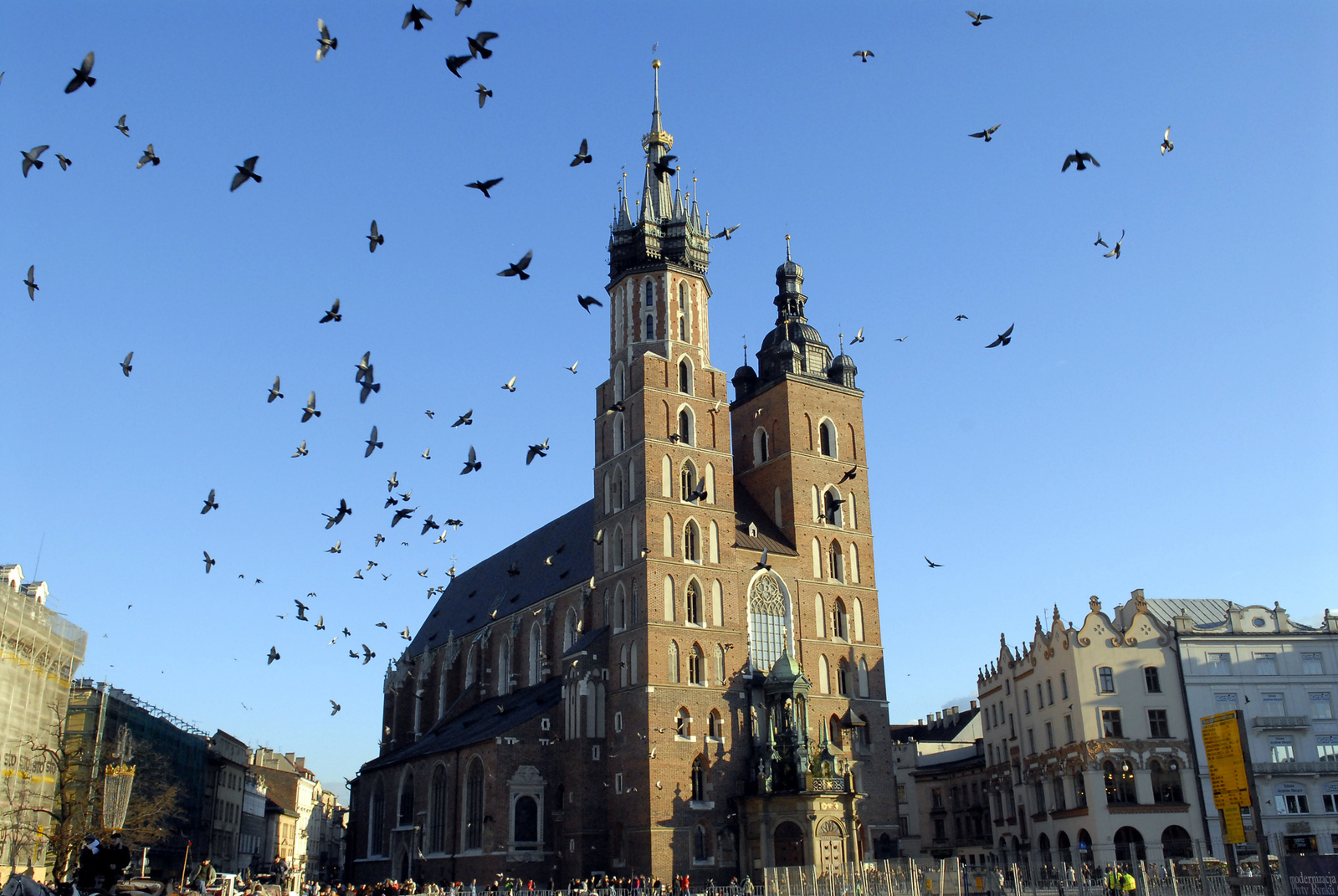 På bilden finns Mariakyrkan sedd från Stora torget.