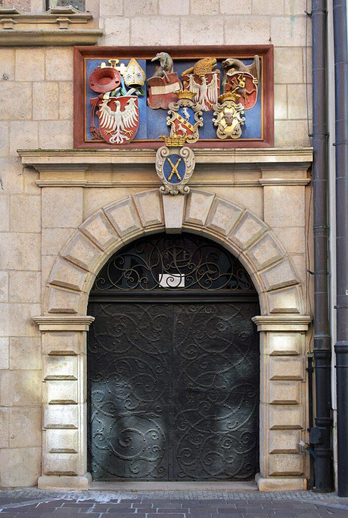 Porten vid St. Annas gata. Collegium Maius. Bilden: Zygmunt Put, CC BY-SA 4.0, wikipedia.pl